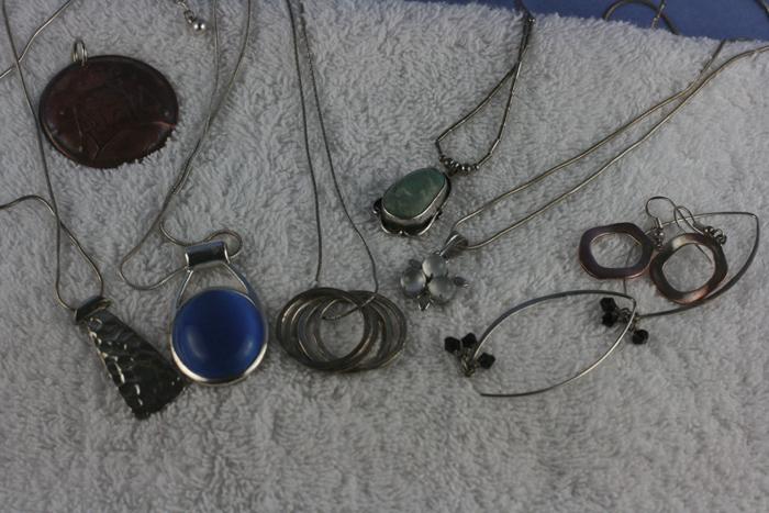 Como limpiar de forma casera tus objetos y joyas de plata - Como limpiar la plata para que brille ...