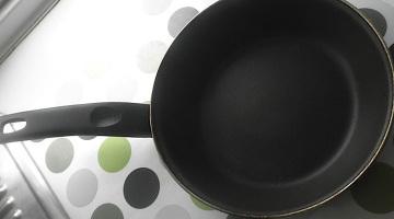 eliminar comida quemada sarten horno