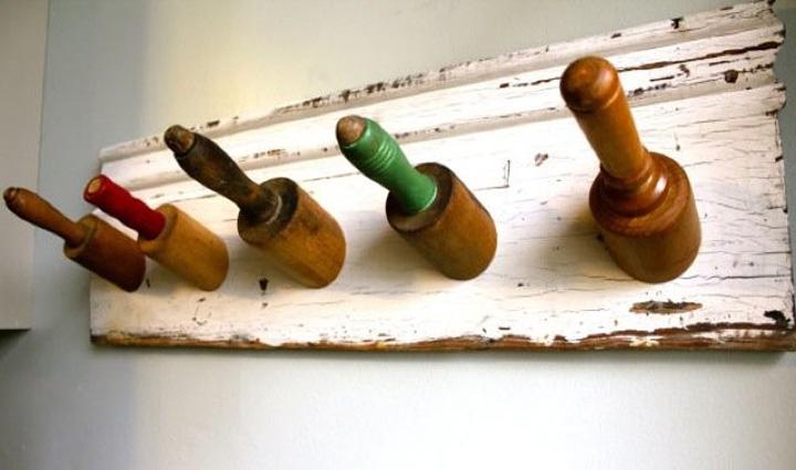 como hacer un perchero reciclando rodillos y morteros